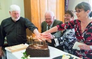 FAMDA Cutting the cake
